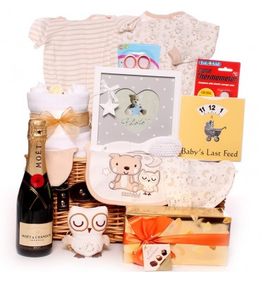 Champagne Little Owl Sleeping Baby Hamper.