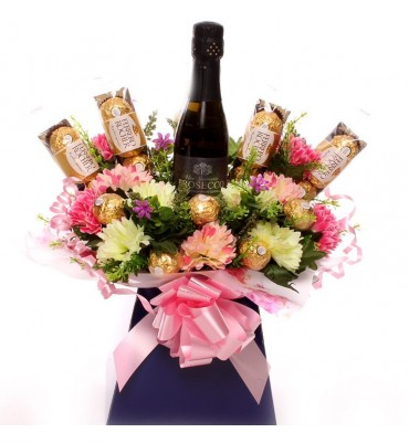 Prosecco, Flowers and Ferrero Rocher Bouquet.