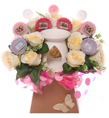 Cream Roses Yankee Candle...