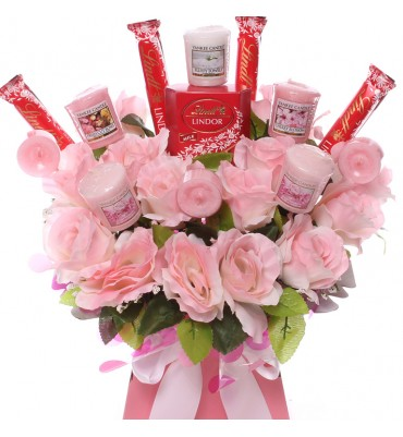 Pink Roses, Yankee Candle...